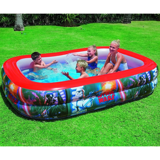 Star wars themed, family paddling pool. Holds 778 litres.